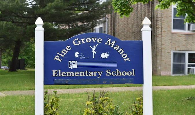 Pine Grove Manor School / Overview